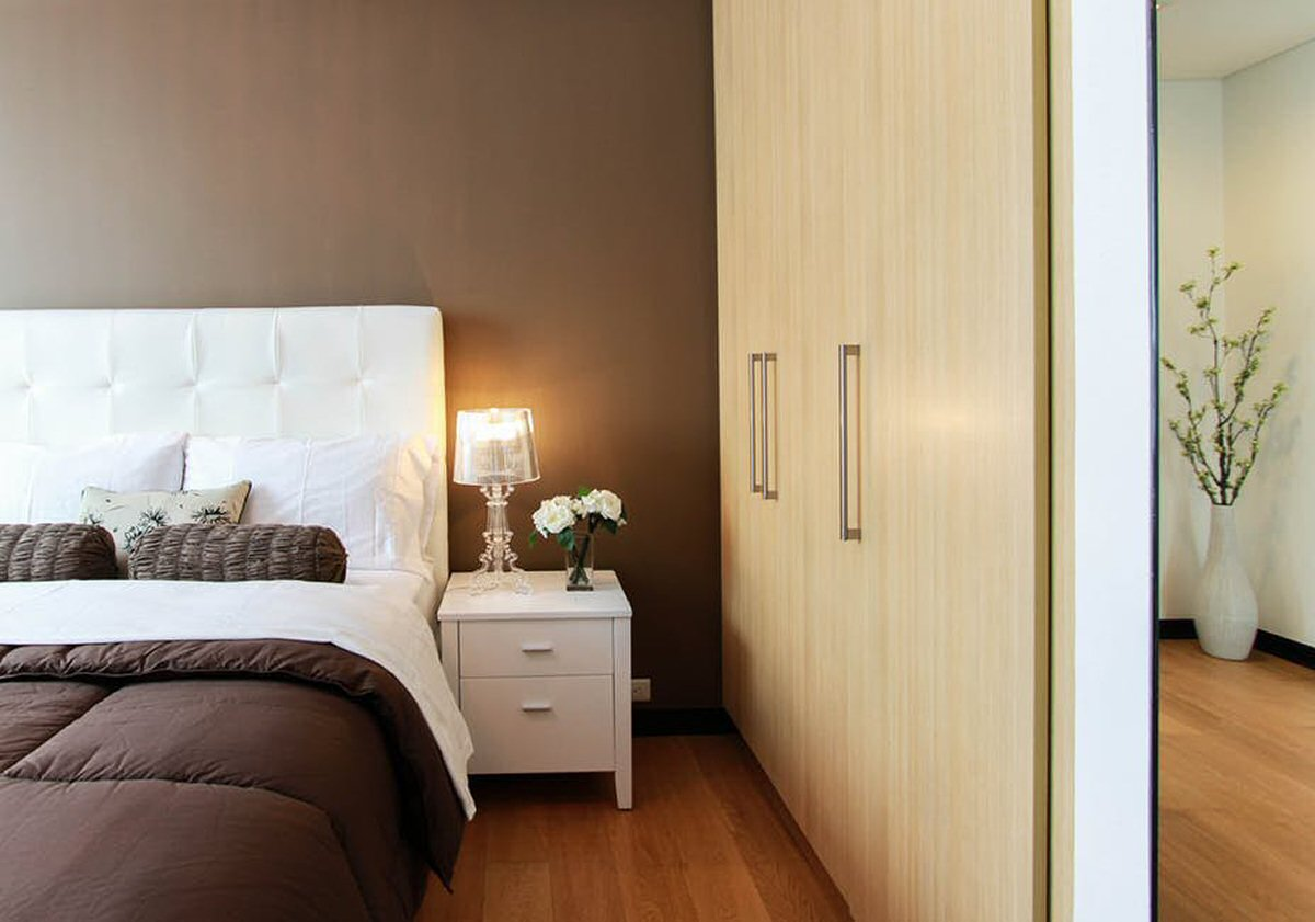 Spare Bedroom - Make it Glam for Guests