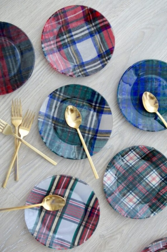 Week 251 DIY Plaid Plates from The Style Safari